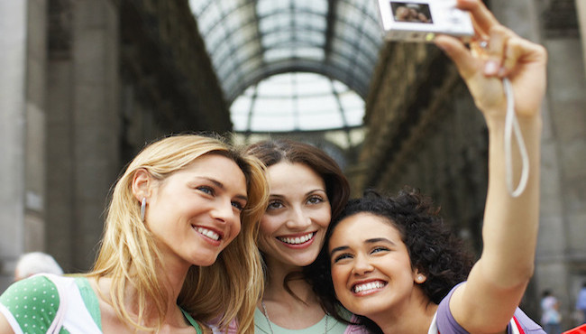 3 Ways to Travel With Friends